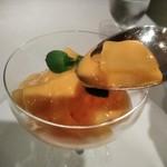 銀座清月堂 - [料理] マンゴーシャーベット ひと口大 アップ♪w