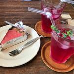 hutte - 料理写真:まあ坊豆腐のケーキ やまももジュレとTOFUCREAMのタルトと紫蘇ジュース