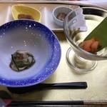 ホテル雲丹御殿 - 海鼠の山葵和え ガンゼとノナのカクテル