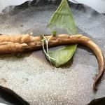 ホテル雲丹御殿 - カスベ(鱏(エイ))の煮付