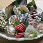 魚金 - 料理写真:刺身6点盛り