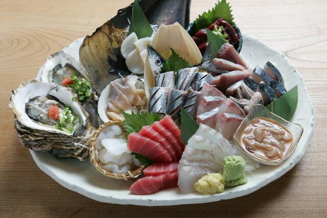 魚金 五反田店 - 刺身6点盛り