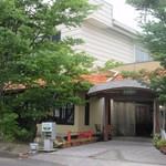 レッフェル - お店は熊本市南区にある流通センターの一画にあります。