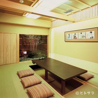 落ち着いた雰囲気が自慢の大小個室が用意してあります