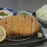 山ぼたん - 料理写真:岩中豚・ロースかつ定食