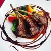 バグース・バー - 料理写真:ディナーで人気のラムチョップ!