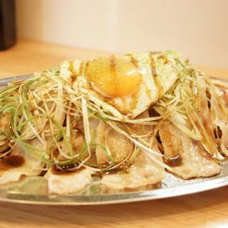 自家製の生麺を使用した本格焼きそば
