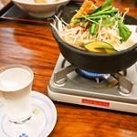 うどん蔵ふじたや - 米沢牛モツ鍋 & 日本酒(十四代 龍の落とし子)
