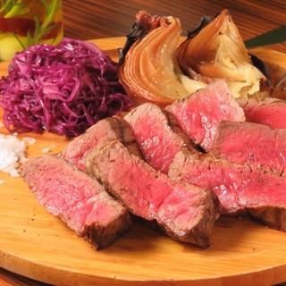 黒樺牛を使った名物ステーキが大人気!!