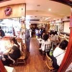 東京 ITALIAN AKATSUKA - ローマのトラットリア風の店内