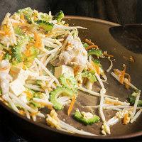 """パラダヰス - """"ごちゃ混ぜ""""という意味のチャンプルー料理。ゴーヤや島豆腐、豚肉などを使い、具沢山で美味"""