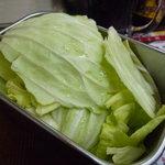 串かつじゃんじゃん - ☆キャベツはソースに漬けてパクパク(^u^)☆