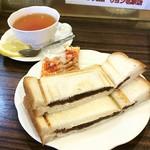 69210217 - 紅茶 / モーニングサービスCセット(小倉あんプレスサンド)