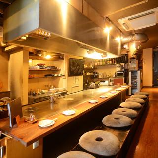 鉄板焼きをカジュアルに◎アットホームな店内で楽しいお食事を