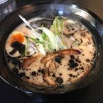 ラーメン居酒屋 三満 - 料理写真:三満黒ラーメン=650円