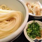 手打うどん かとう - 【冷】生醤油(大盛) 720円