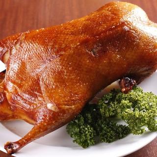 食卓を華やかに彩る北京ダックの美味しさのヒミツ