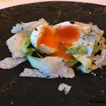 カーサ・デル・チーボ - 料理写真:グリーンアスパラにポーチドエッグにサマートリュフ