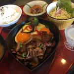 あんこ椿 - 生姜焼きのランチセット