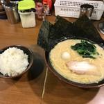 69220857 - ラーメン豚骨醤油(並)@680円