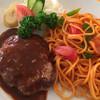 Orenjihausu - 料理写真:ハンバーグ・ナポリタン