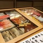 鮨 かんび - 料理写真:本日のネタ