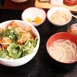 沖縄居酒屋 パラダヰス - 日変わりDon¥850