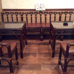 パイカル - 奥のテーブル席はグループ対応可能なレイアウト。