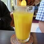 カフェ 七色の風 - マンゴージュース