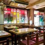 長野屋食堂 - 多少雑然とした店内