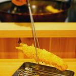 お気軽天ぷら処 天神 - 一品一品、揚げたての天ぷらをお召し上がり下さい。