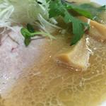 溝ノ百合 - 料理写真:海老と浅利の塩そば