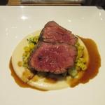 ラ ヴェルベンヌ - 肉料理は牛フィレ肉、こちらはマッシュポテトとコーンが添えられてました。