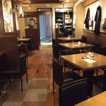 cafe&dining marina  - 店内風景(テーブル席)。