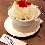 cafe&dining marina  - サラダは、野菜が4種類使われているなど、意外に手が掛かっていて、ドレッシングもシンプルながら美味しい。