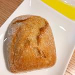 ロサンジェルス バルコニー テラスレストラン&ムーンバー - ランチのパン