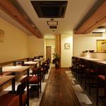 ゆば料理 東山ゆう豆 - テーブル&カウンター