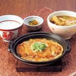 若鯱家 - カツ鍋定食(ミニ麺セット)