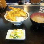 天せ - 520円天丼 水、木曜お新香サービス 金曜日大盛りサービス
