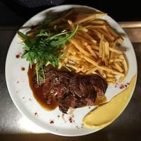 Huit - 牛リブロースのステーキ