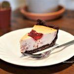 煎りたて ハマ珈琲 - いちご薫る濃厚チーズタルト