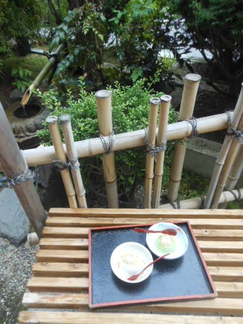 濱田屋 - 庭先でも胡麻豆腐をいただけます 2017.6