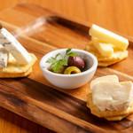 舎人庵 - チーズの盛り合わせ ¥780