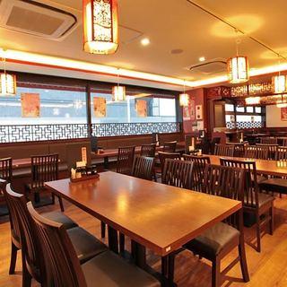 夏にはビアホールも★一人でも、最大90名様でもOKの中華酒場