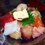 一寸法師 - 純粋な海鮮丼としてこの様になるので、ここからが本番だ。