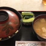 いずみ食堂 - カツ丼 750円