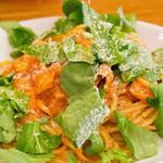アンティカブラチェリアベッリターリア - サーモンとルーコラのトマトソースのスパゲッティ 燻製リコッタ風味。今日は並盛ですがお腹いっぱいです!
