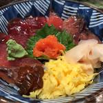 魚がし鮨 - 海鮮ヅケ丼 750円。