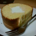 北海道牛乳カステラ - カステラロール