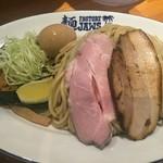 JAWS - 味玉つけ麺(900円)の大(300g)の麺と具材